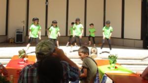 Gelungene Auftritte der KidsDance- und der FunDance-Gruppe beim Dorffest